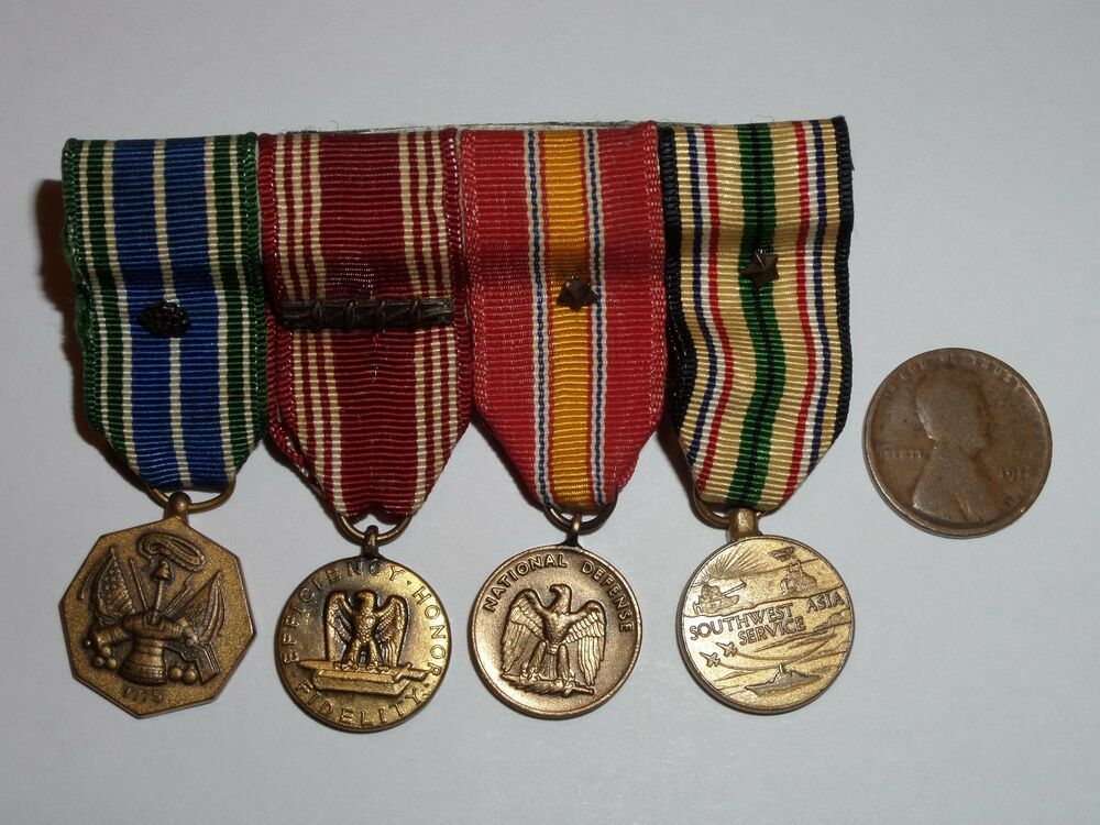 4 VINTAGE MILITARY MEDALS ACHIEVEMENT GOOD CONDUCT