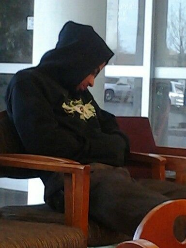 Lolz! #Ibeinthewaitingroomlike i took this pic in the waiting room at the hospital. Dude was tired.