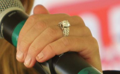 Jessie Jamess engagement ring from Eric Decker DYING Eric and