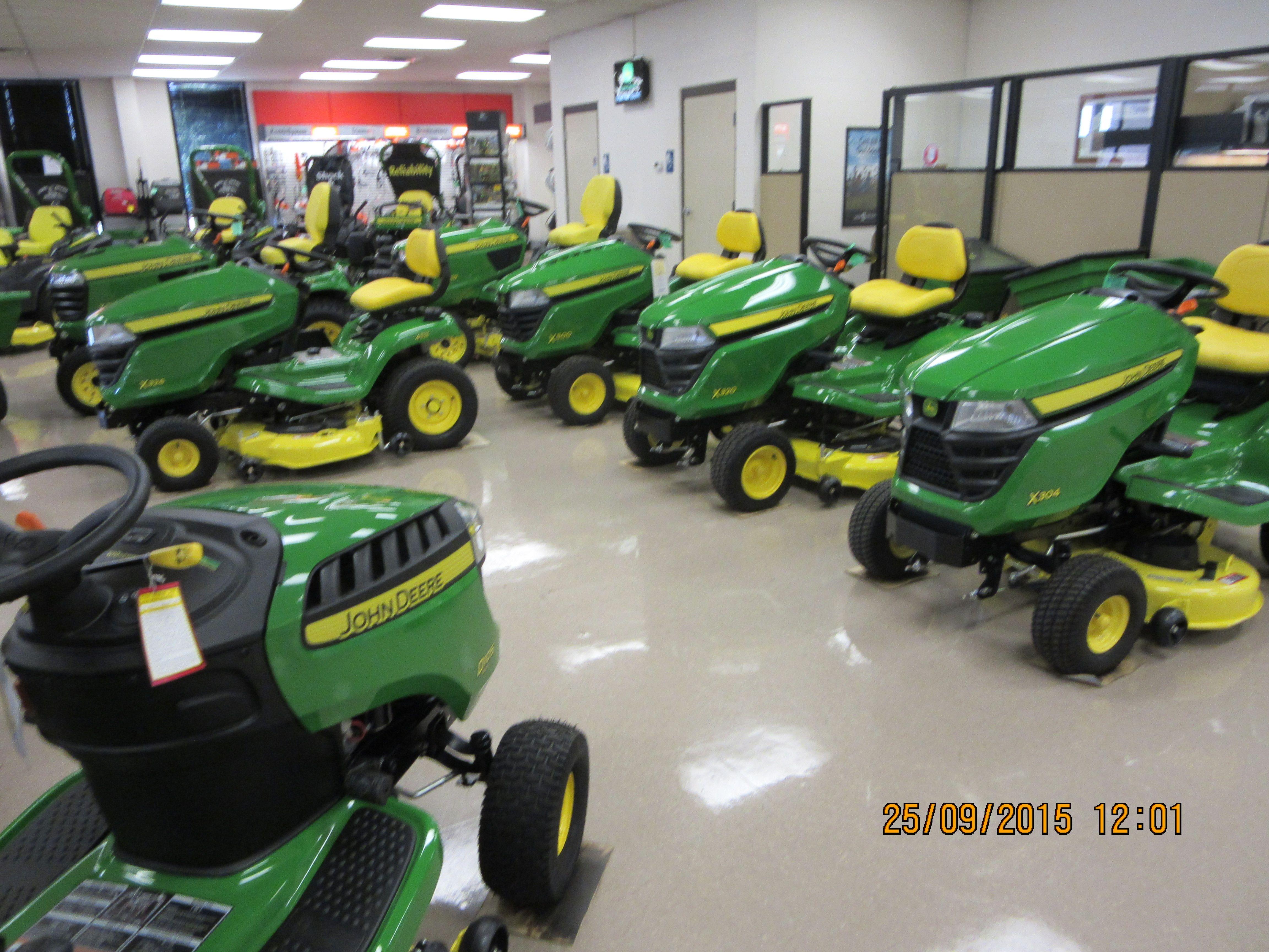 John Deere Lawn Tractor Equipment : John deere lawn and garden equipment ftempo