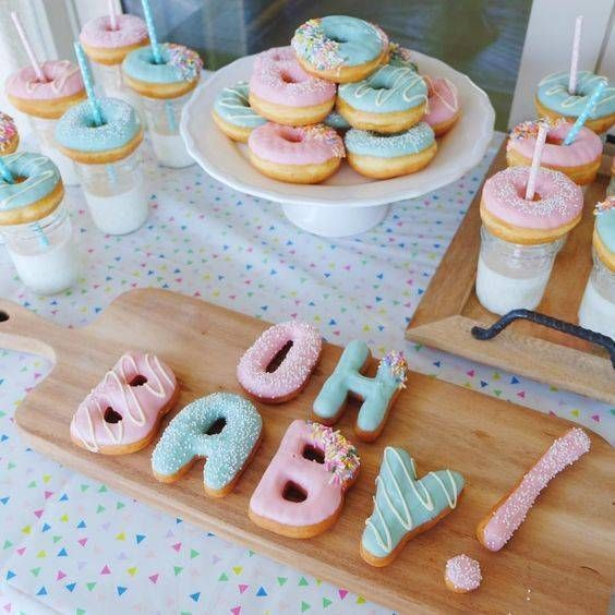 Girl baby shower ideas - gender reveal Oh baby donut cake #genderreveal #genderrevealparty #genderrevealideas