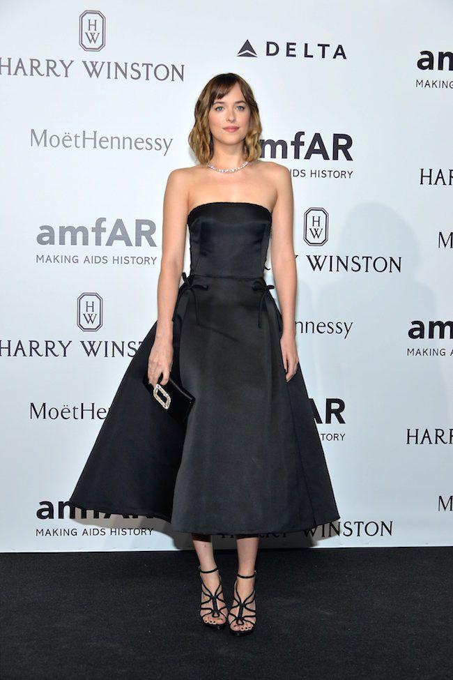 Dakota Jhonson de Dior en la gala amfAR 2015