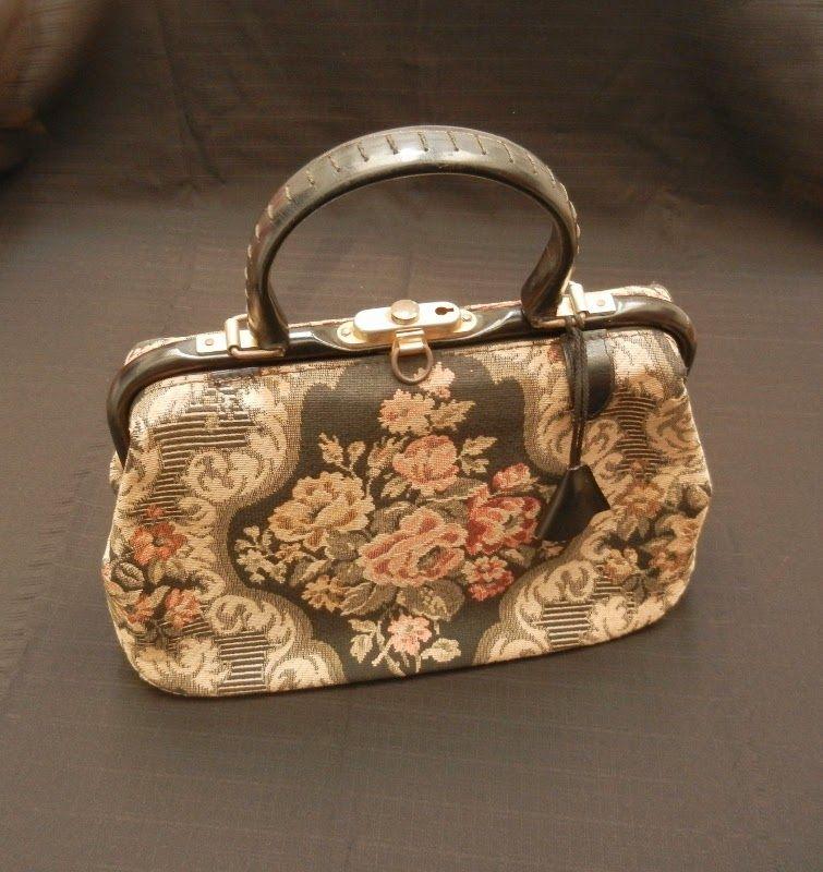 e2c0ae579fba0 L oiseau Acessórios Vintage  Bolsa Anos 60   Bags   Fashion, Vintage ...