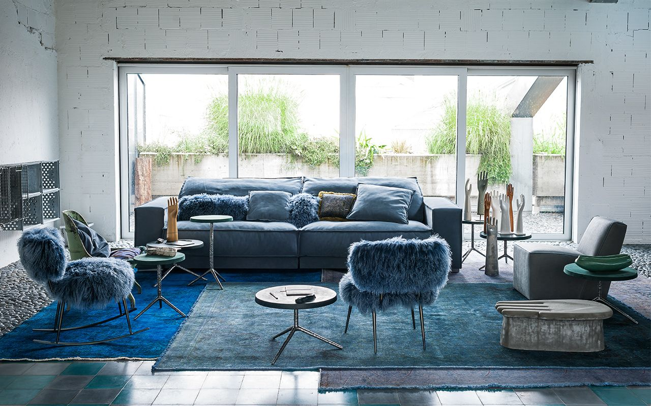 Baxter Made In Italy התערוכה 3 נמל ת א 03 7449935 Theboxfurniture Co Il Blue Sofas Living Room Blue Sofa Living Blue Living Room