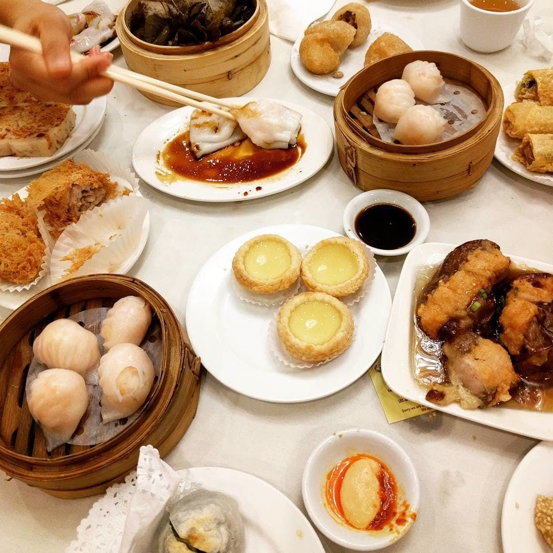 8 Great Chinese Restaurants For A Sit Down Feast Chinese Restaurant Food Seafood Dishes