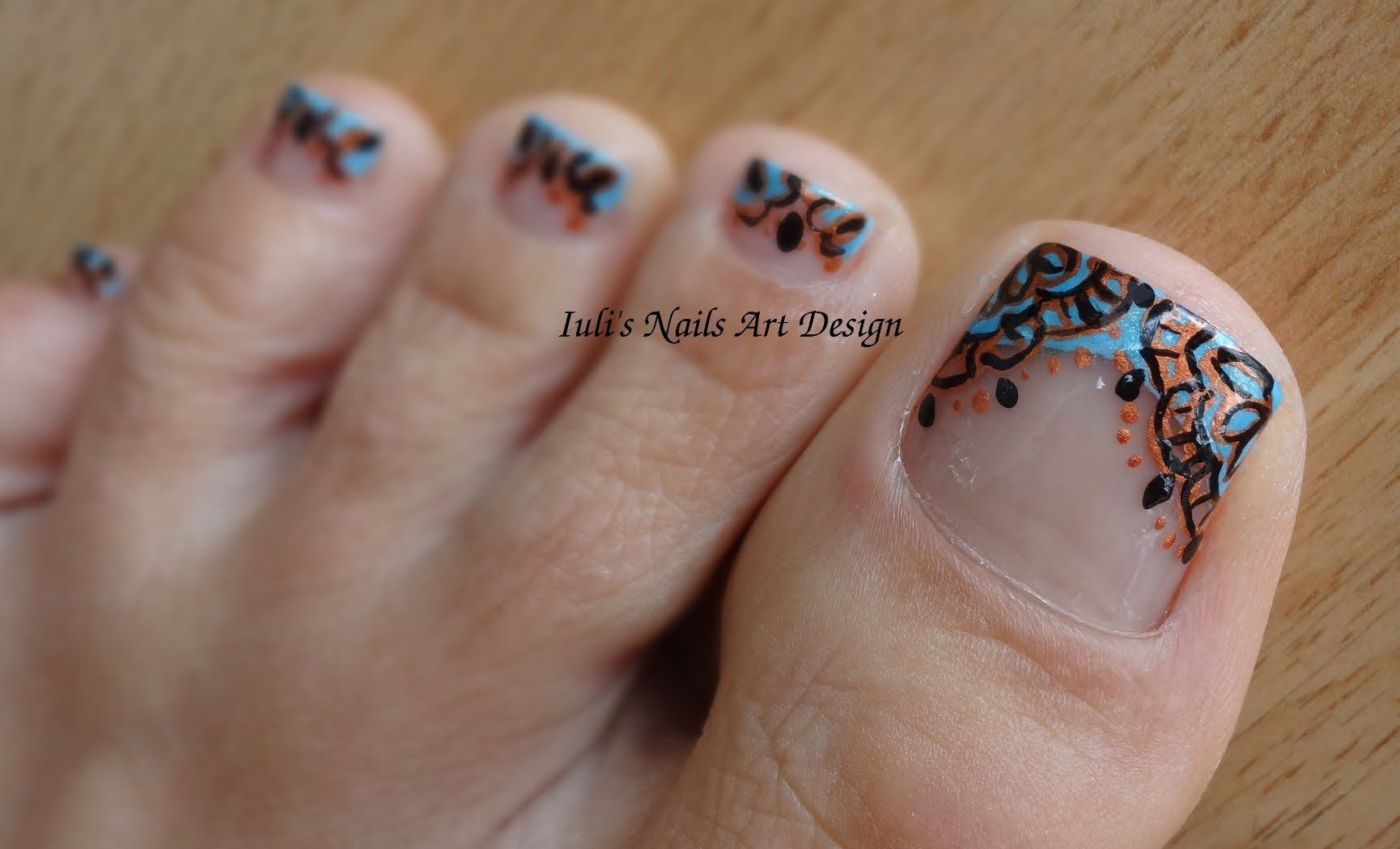 Toes art design Arabesque Embroidery French Pedicure cobalt-copper ...
