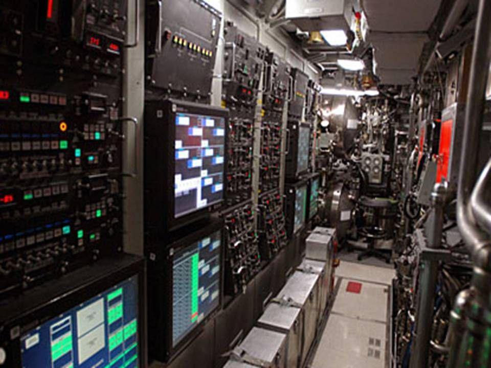 Gallery For Virginia Class Submarine Control Room Virginia Class Submarine Nuclear Submarine Us Navy Submarines