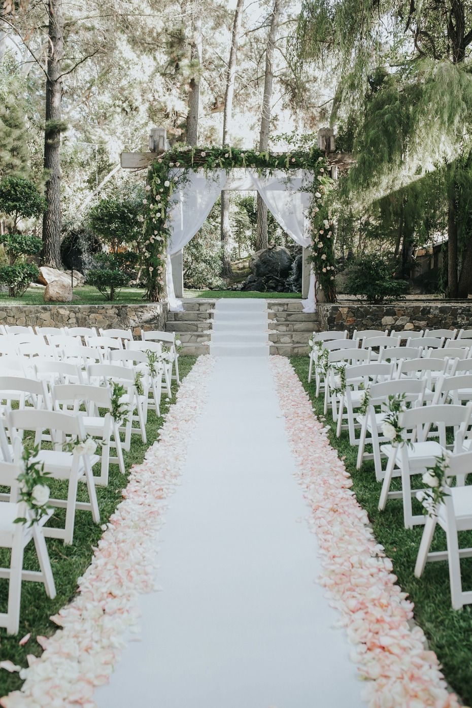 Rustic Never Looked So Glamorous At This Calamigos Ranch Wedding Garden Wedding Ceremony Arch Calamigos Ranch Wedding Outdoor Wedding Decorations