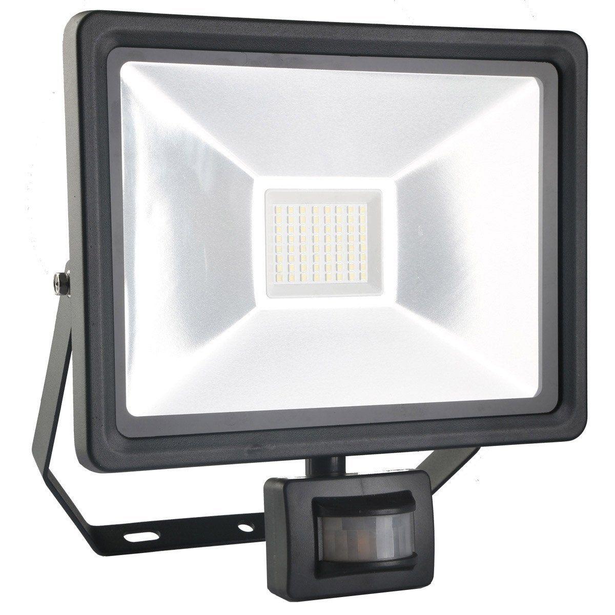 Projecteur A Fixer A Detection Exterieur Led Integree 50 W 3750 Lm Noir Inspire Projecteur Led Et Noir