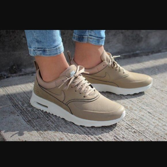 Nike air max Thea beige color