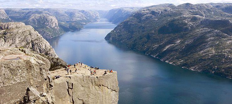 Maybe our next summer vacation. #Norway #Preikestolen #Lysefjorden