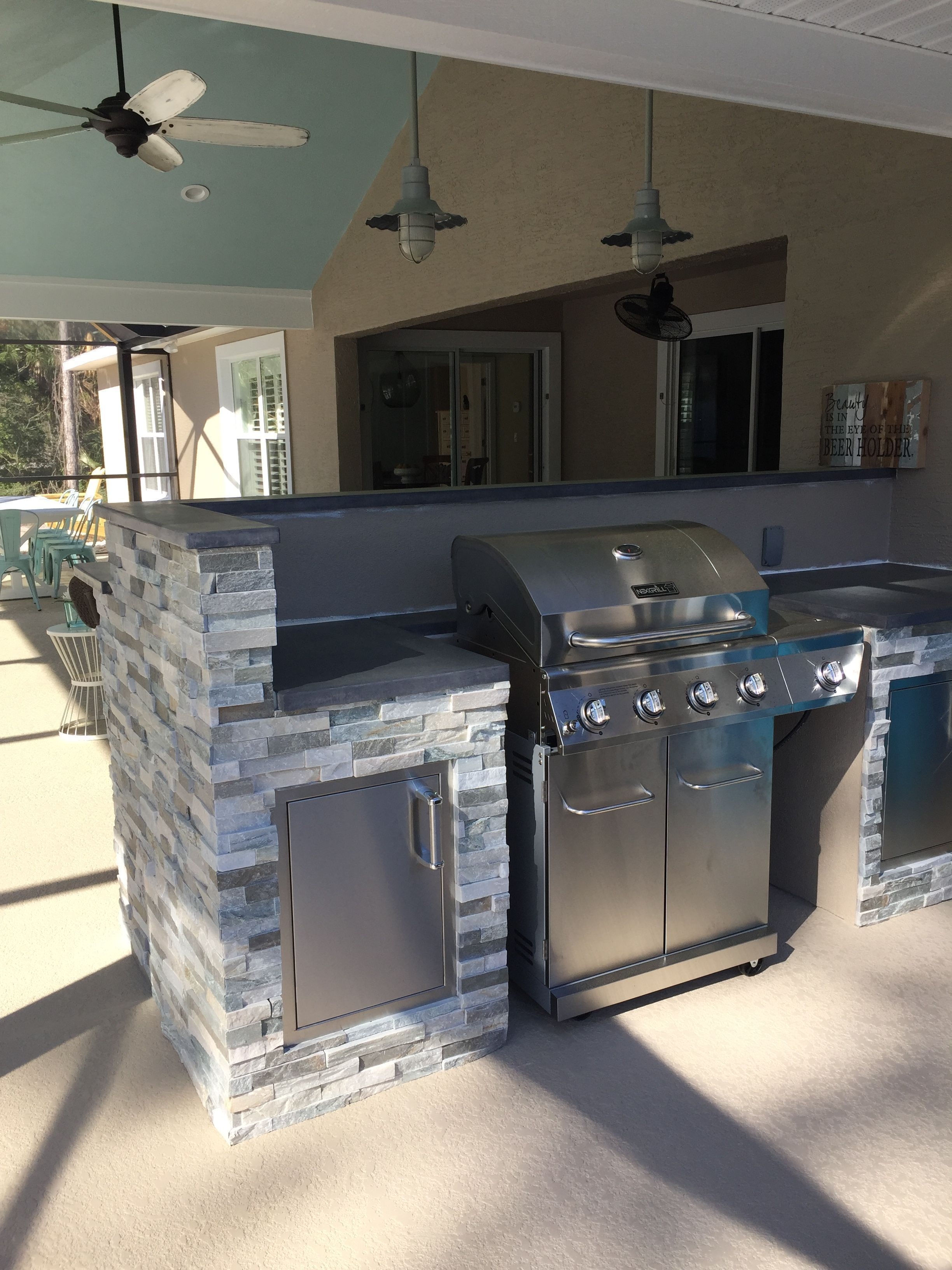 10 Outdoor Kitchen Ideas And Design On A Budget To Experience A Fun Cooking Outdoor Kitchen Design Layout Outdoor Kitchen Design Outdoor Kitchen Countertops