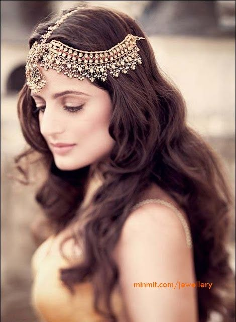 Amisha Patel Hair Accessories With Jaipur Kundans Accessories