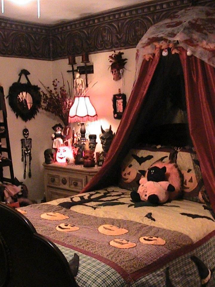 Halloween Bedroom Decoration