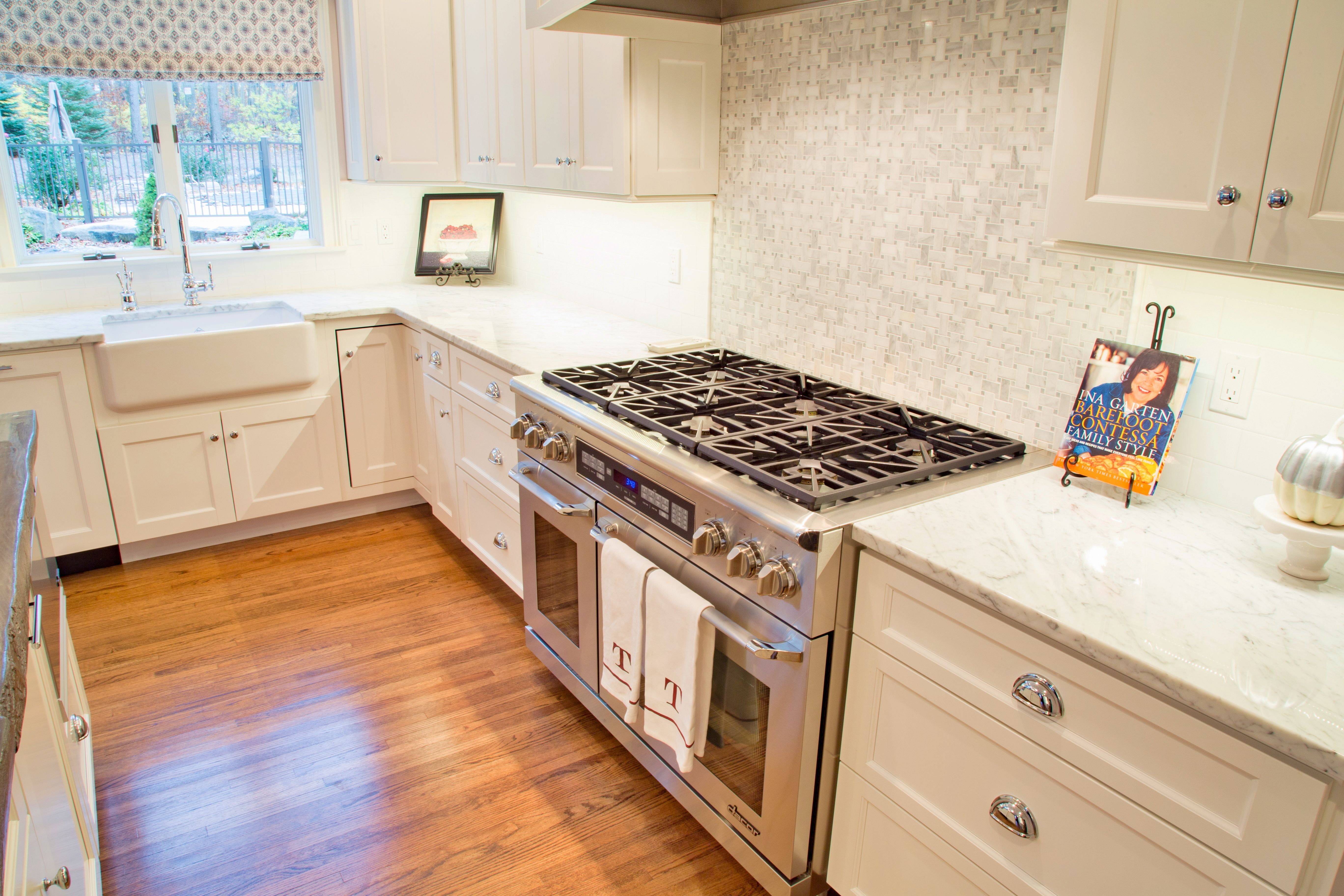Wolf Classic Kitchen Cabinetry Wolf Home Products Classic Kitchen Cabinets Classic Kitchens Kitchen Cabinet Inspiration
