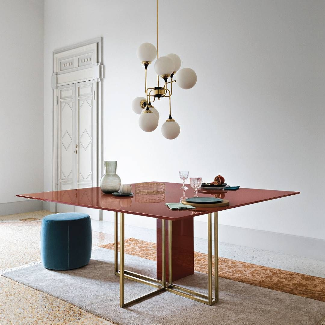 Meridiani Plinto Y2w Table Modern Table Design Modern Furniture Shops Contemporary Dining Table