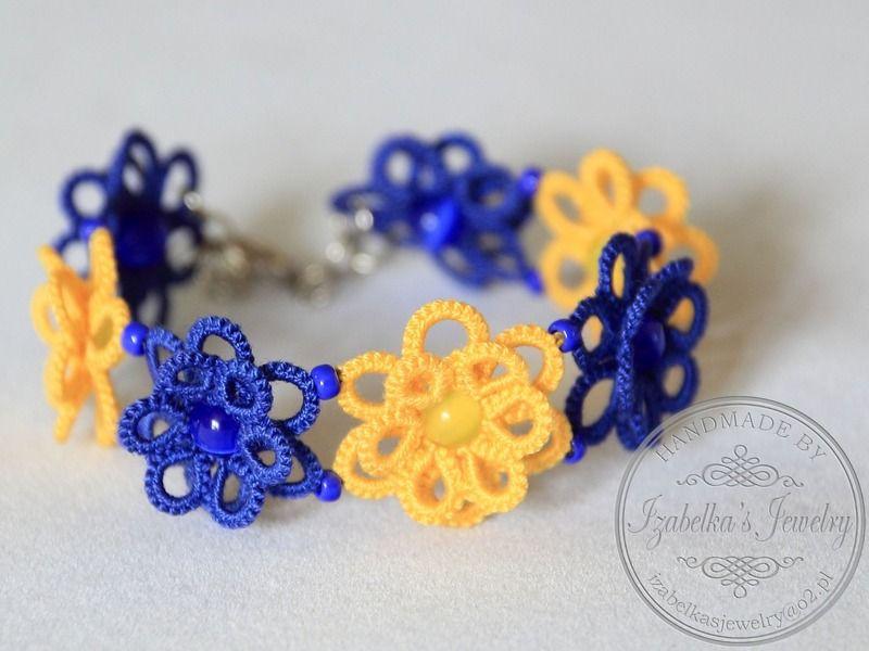 Tatting - 3D flowers bracelet in blue and yellow from Izabelka's Jewelry by DaWanda.com