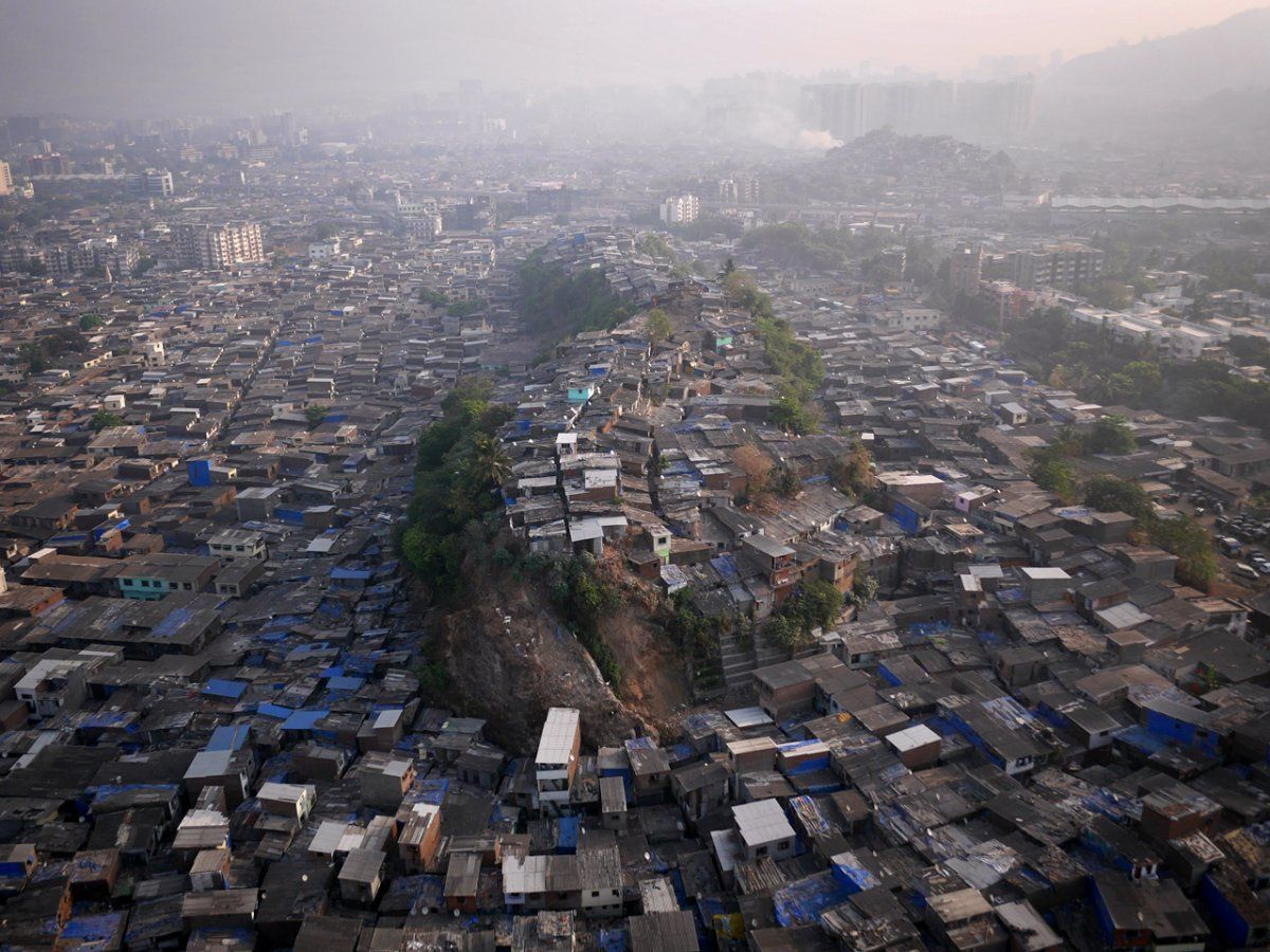 Mumbai's northern slums.--Illegal drone photos of the most beautiful places on earth - Business Insider