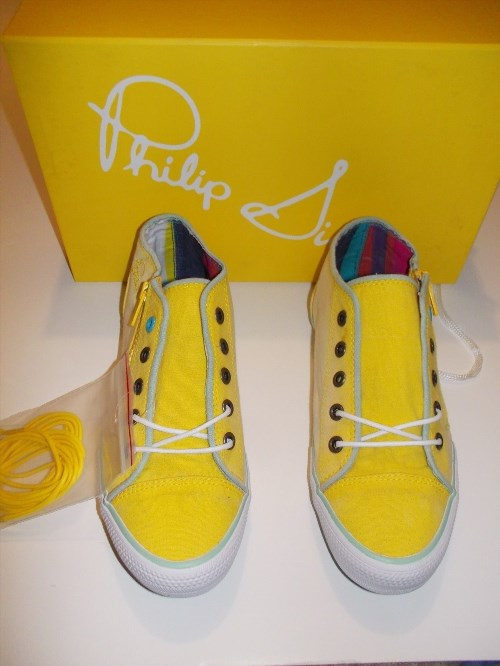 34.95$  Watch here - http://vihou.justgood.pw/vig/item.php?t=9lpn4jr23549 - Women's Philip Simon Sz 6M Yellow Yohan Shoes with Side Zipper & Extra Laces