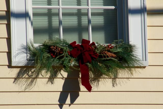 Outdoor Christmas Window Swags.How To Use Trees And Other Plants In Outdoor Christmas