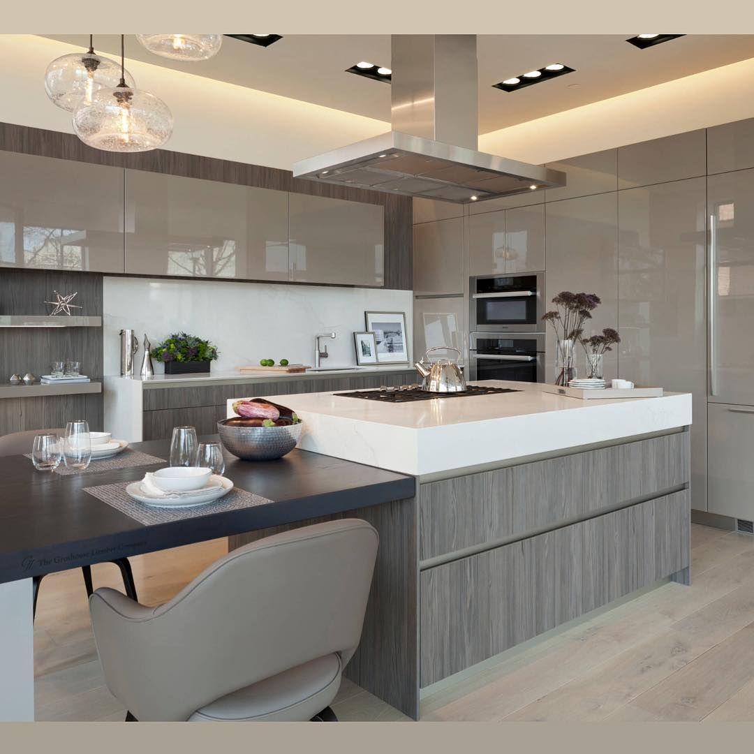 33 Modern Style Cozy Wooden Kitchen Design Ideas: Modern But Cozy Kitchen @kitchen_design_ideas • #kitchens