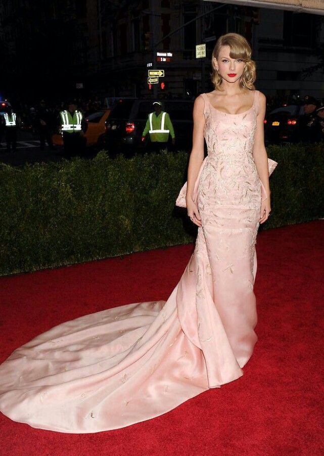 Pin by Maud Astier on Met Ball 2014 Glamsickles..   Taylor ...