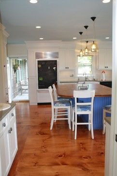 Clic Cape Kitch Knotty Wood Floors White Cabinets Pop Of Color