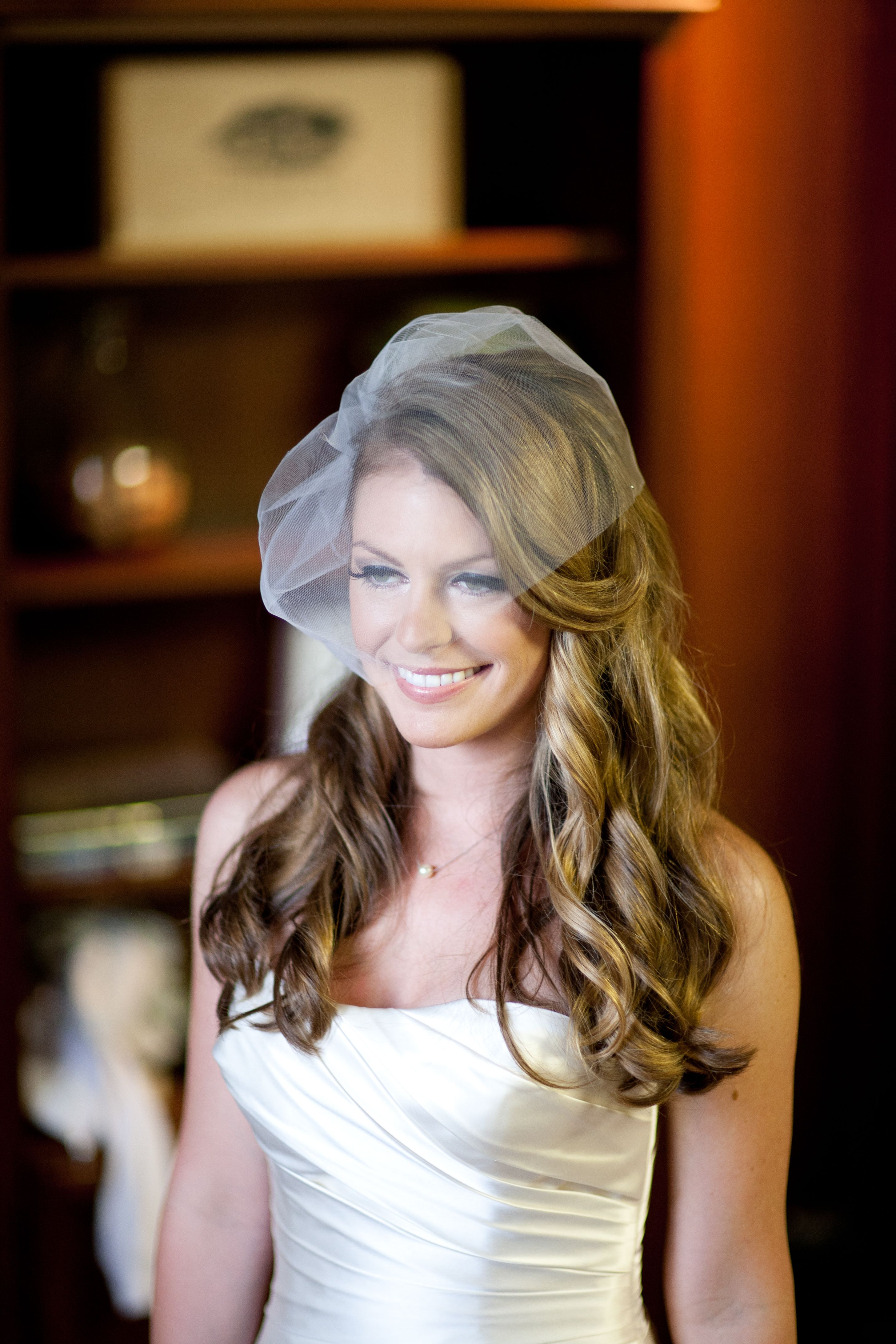 loose curls, birdcage veil old hollywood hair and makeup