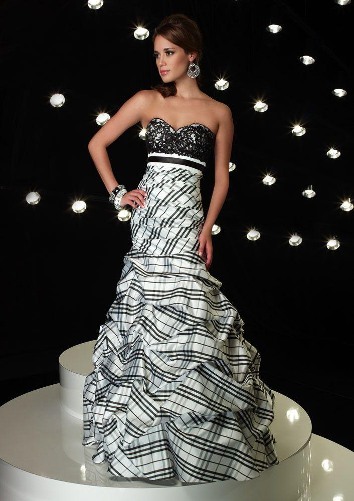 Beautiful Black And White Dress    jaglady