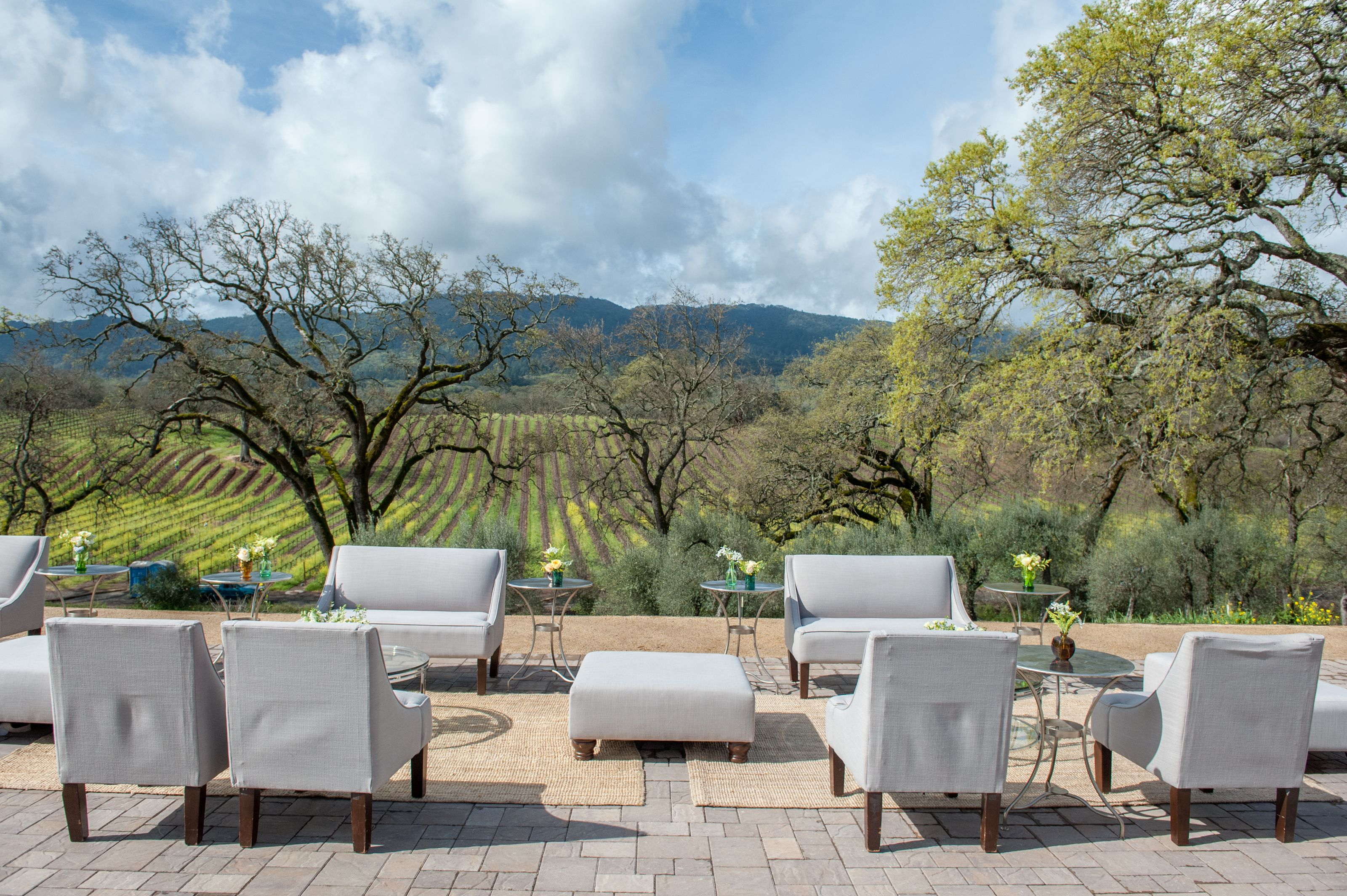 Love this lounge set up at this sonoma county wedding