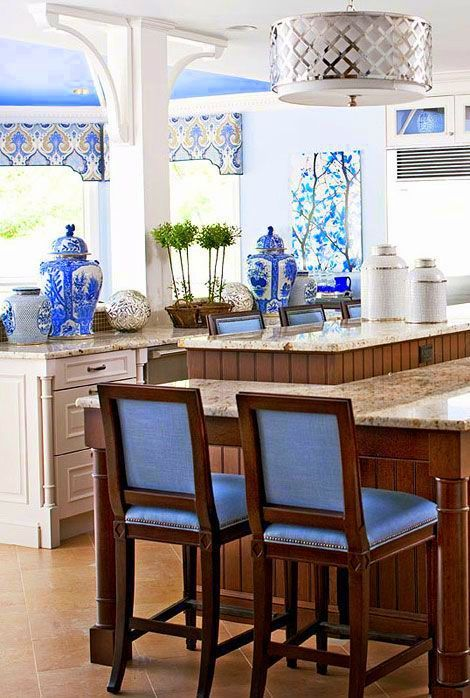 Chinoiserie Chic The Blue And White Chinoiserie Kitchen Beautiful Kitchens Home Traditional House