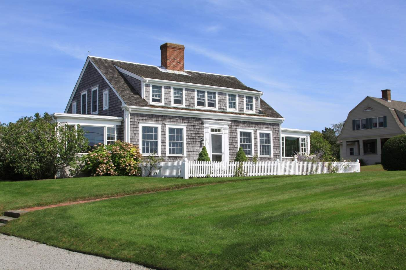 Cape Cod Houses Architectural Basics Cape Cod House Exterior Nantucket Style Homes Cape Cod Style House