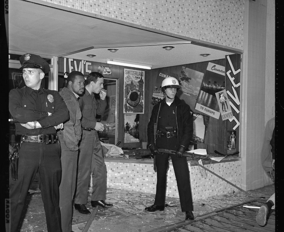 Bloody Christmas Lapd.August 1965 Lapd Officers Guard A Looted Store During The