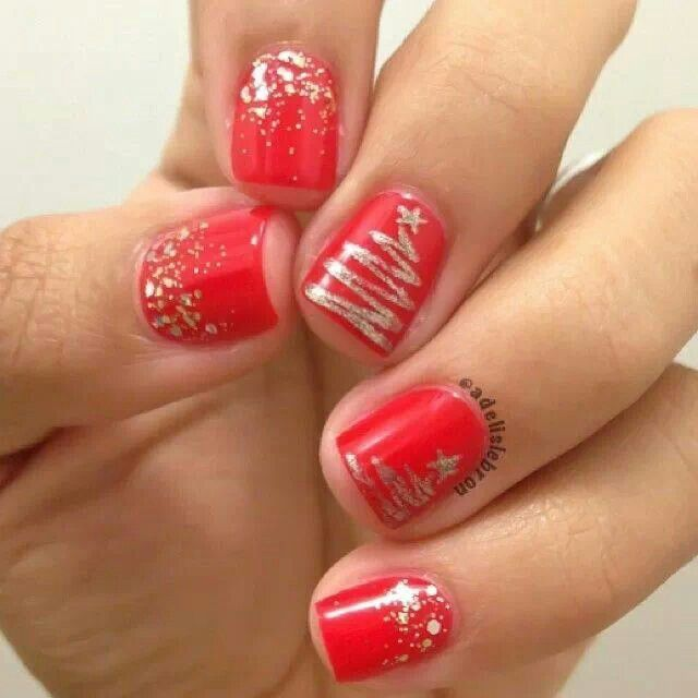 Zigzag Xmas Trees With Glitter Nails Christmas Nails Xmas Nails Tree Nails