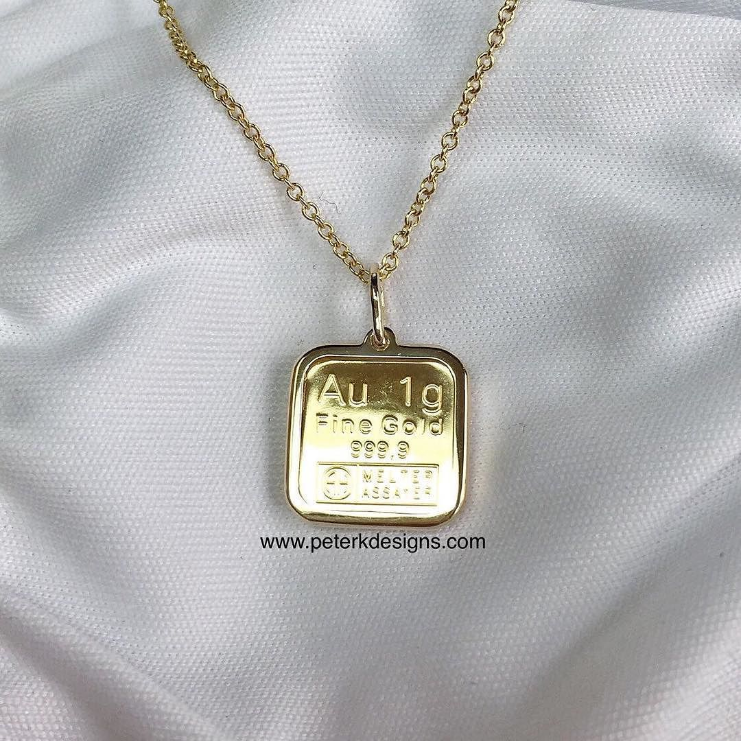 This Unique Product Features 1 Gram Argor Heraeus Gold Bar Made For A Convenient Way To Own Pure Gold With One Smaller Pu Gold Bar Pendant Necklace Bar Pendant