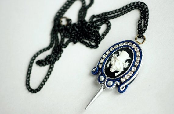 Punk soutache skull with hat and guns cameo pendant by NagualArt
