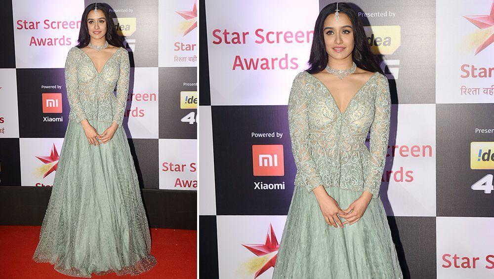 Starscreenawards2018 Worst Dressed Deepikapadukone Ranveersingh And Shraddhakapoor S Fashion Faux Pas Is Hard To Ig Fashion Dresses Backless Dress Formal