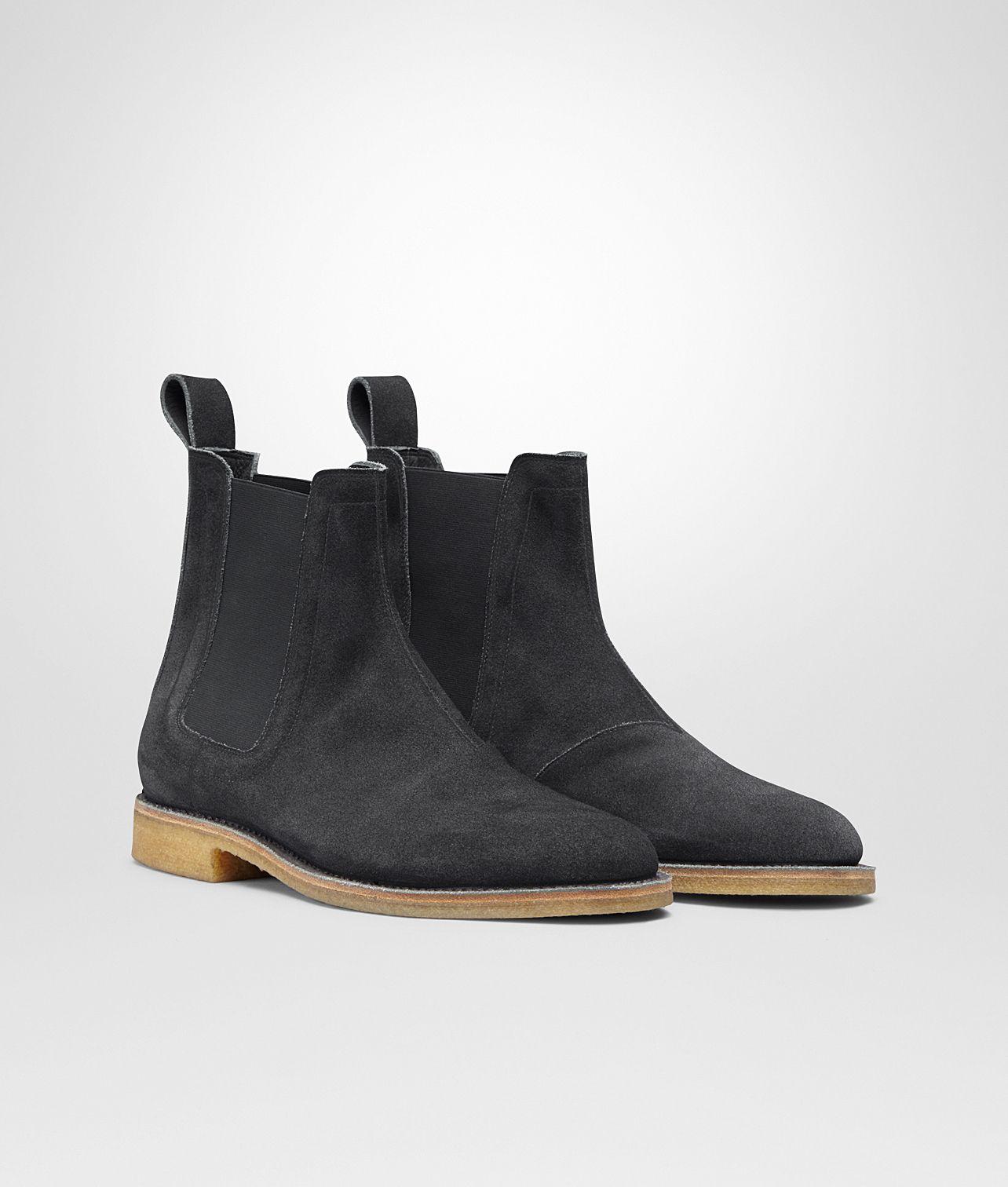 ARDOISE SUEDE DESERT BOOT - Men's Bottega Veneta® - Shop at the Official  Online Store