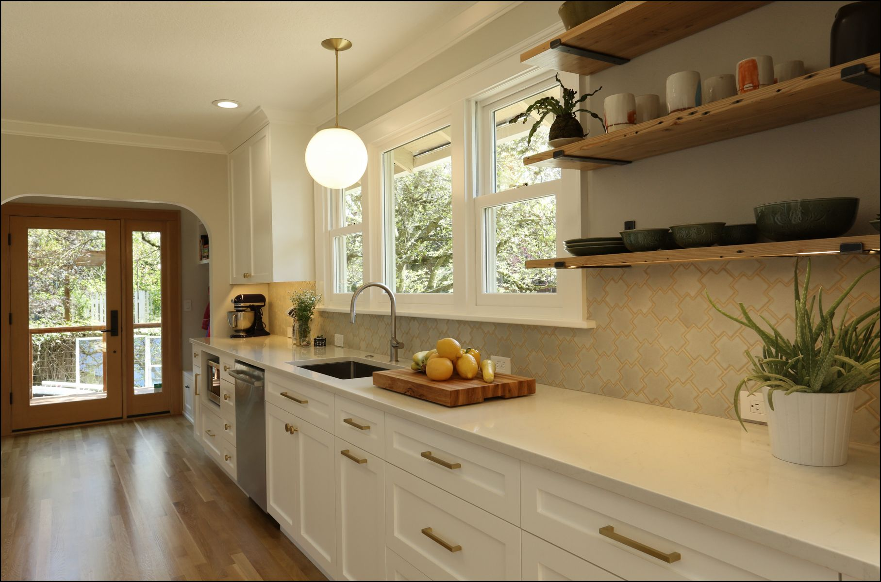 Complete Renovation Of An Existing Galley Kitchen The Design Uses Contemporary Touches In A Traditional Setting To Kitchen Design Kitchen Residential Remodel