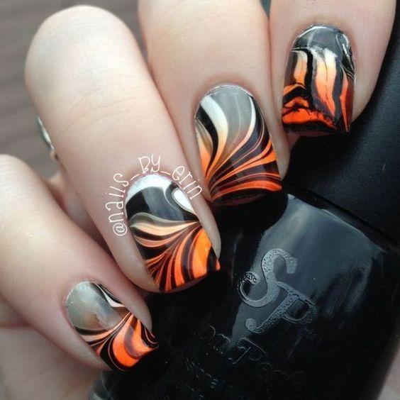 89+ Seriously Spooky Halloween Nail Art Ideas | Marble ...