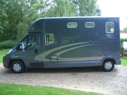 This 2011 #EquiTrek Sonic 5 #Peugeot Boxer #horsebox carries up to two horses | For sale on #HorseDeals