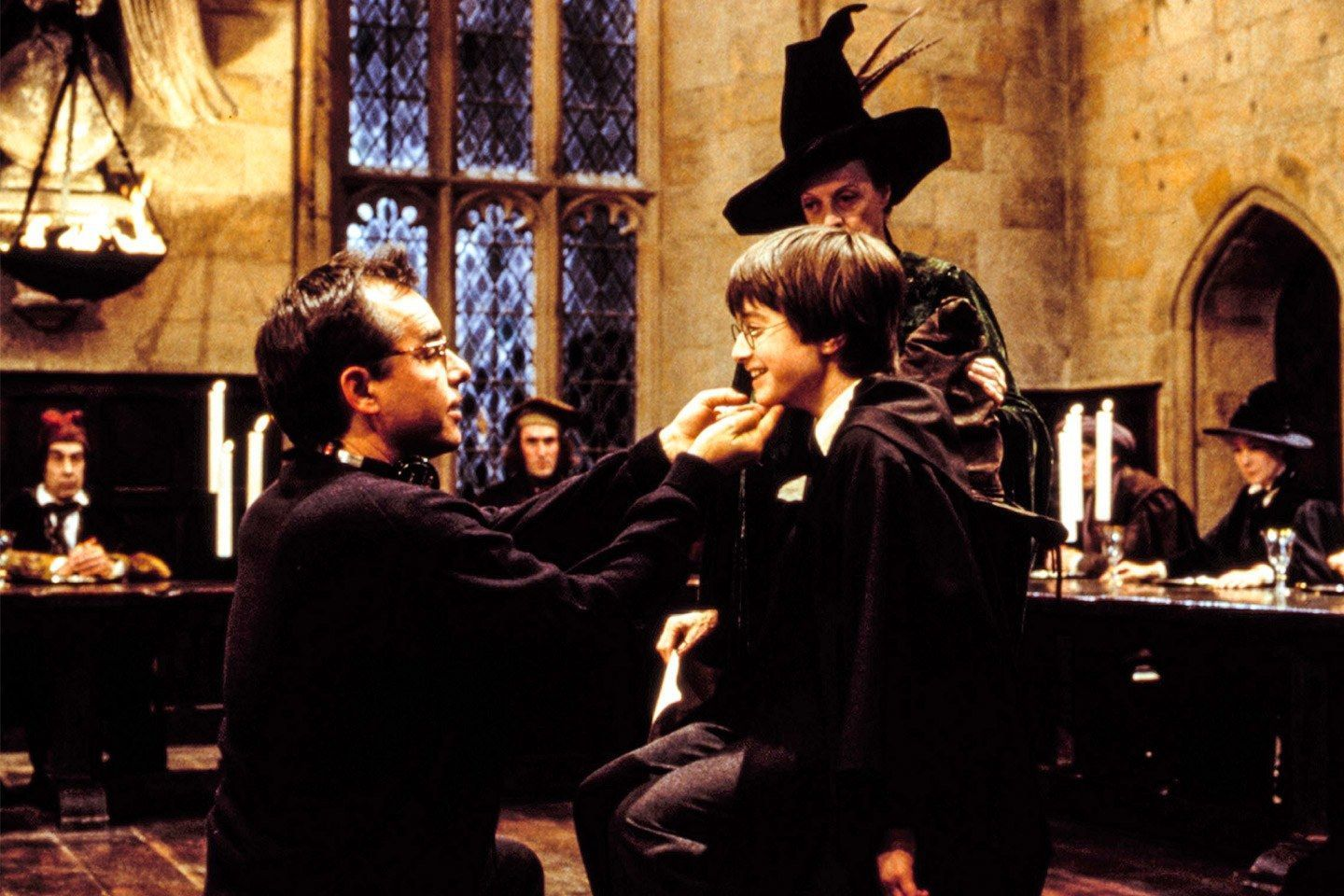 Why Harry Potter Will Outlive Us All Chris Columbus Left With Daniel Radclif Why Harry Potter Will Outli Harry Potter Movies Harry Potter Cast Scenes