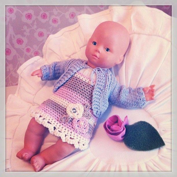 Käsintehty nukenmekko <3
