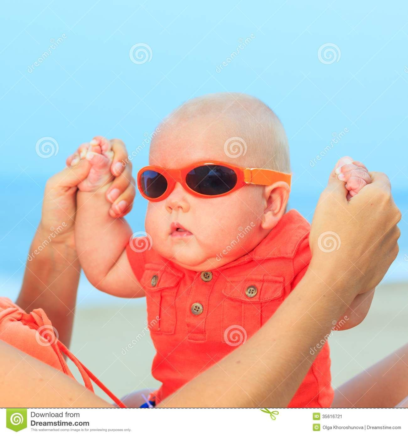 638fed939f2 Baby Wearing Sunglasses Royalty Free Stock Photo - Image  35616715 ...