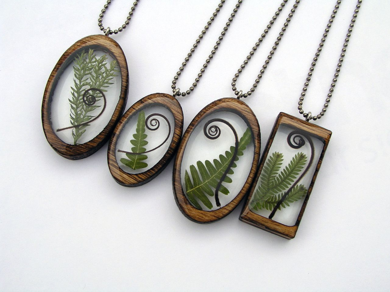 Resin and wood pendants by BuildWithWood | https://www ...