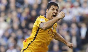Luis Suárez scores four as Barcelona rout Deportivo La Coruña 8-0