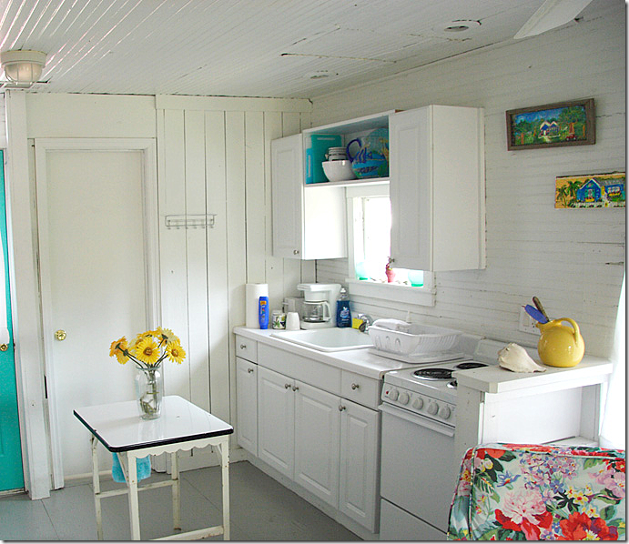 Beach Cottage Kitchen Decor: Sweet Little Beach Cottage Kitchen