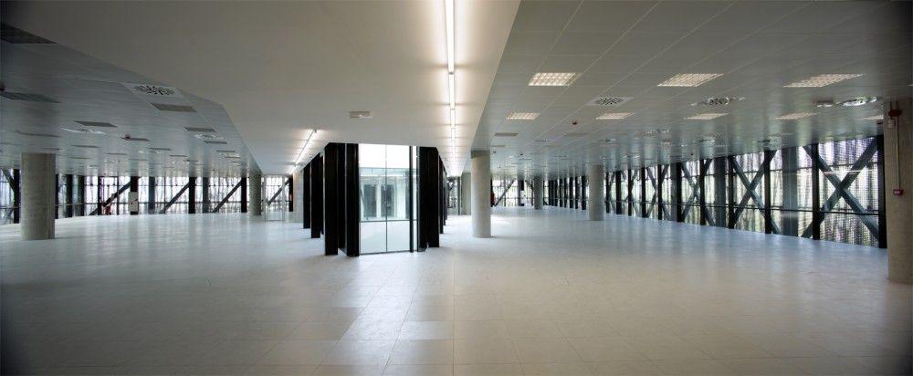 Centro de Proceso de Datos en Cerdanyola del Vallès / ACXT