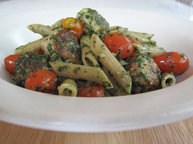 Whole Wheat Pasta with Chicken Meatballs and Pesto