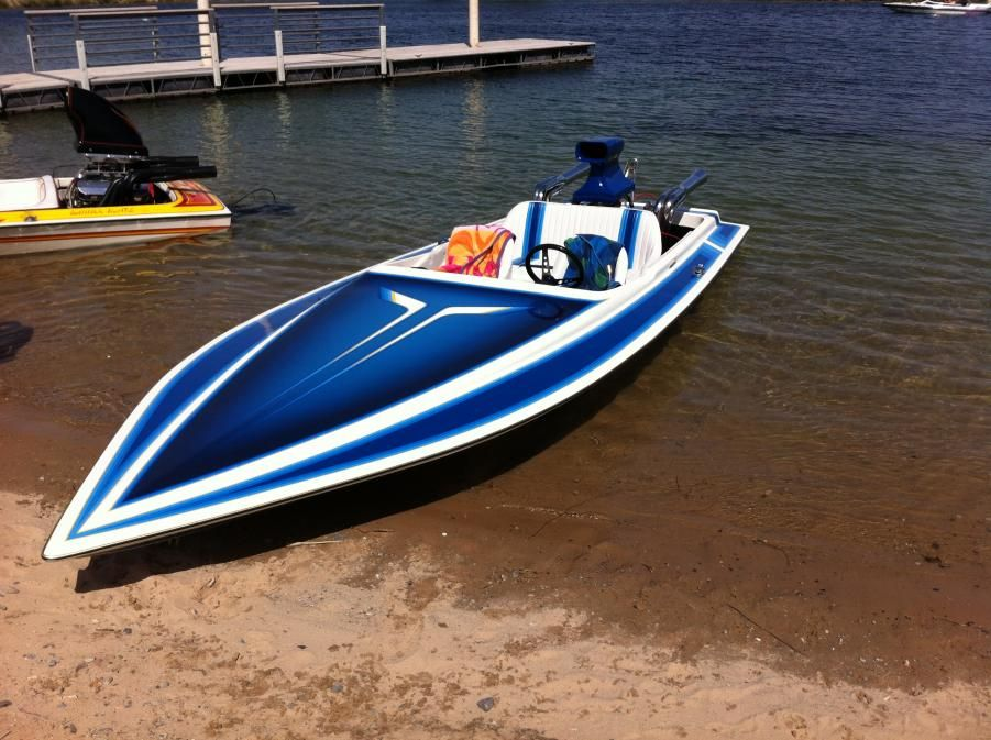 Love The Back Seat Will Keep The Heat Of The Engine Away Jet Boats Boat Ski Boats